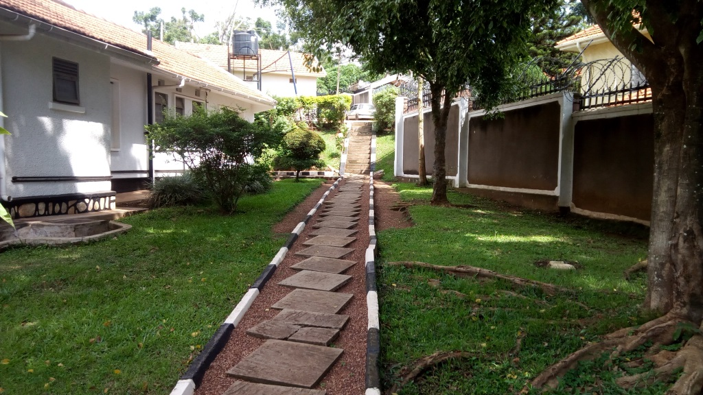 house in kololo (2)